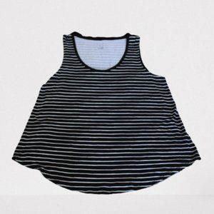 🌼3/$15 Black and White Striped Tank - a new day